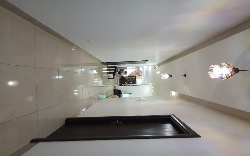 شقة طابقية في حي فلل الإتحاد للبيع